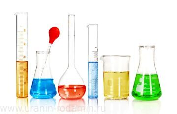 Beakers and laboratory glassware isolated